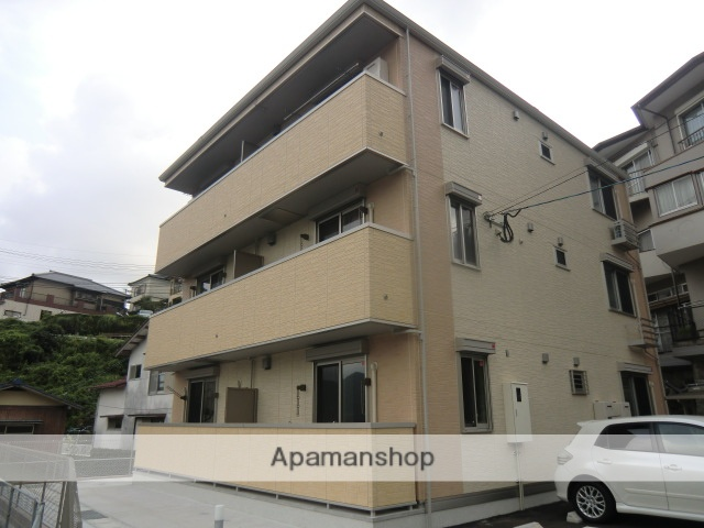 長崎県長崎市、長崎駅バス22分西山一丁目下車後徒歩2分の築4年 3階建の賃貸アパート
