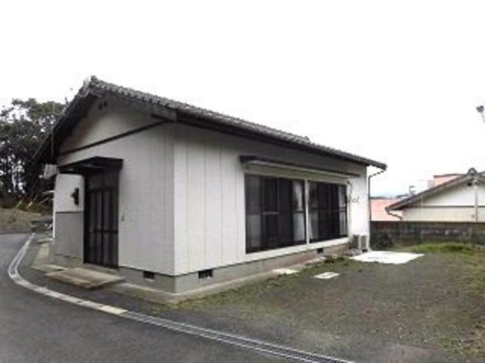 所在地:長崎県平戸市岩の上町の新着物件4