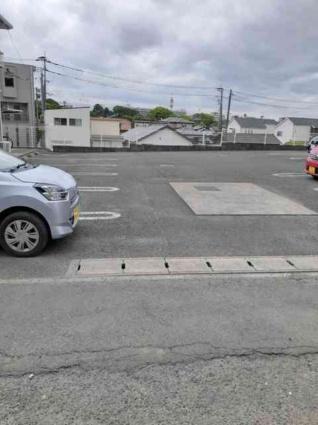 パインヒルズA[1LDK/42.37m2]の駐車場