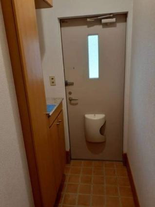パインヒルズA[1LDK/42.37m2]の玄関