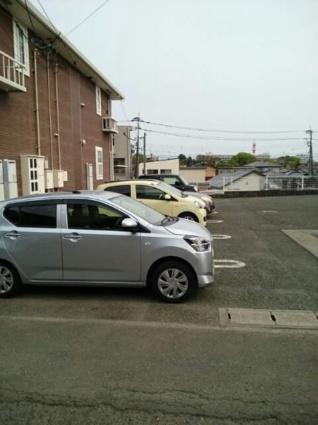 パインヒルズA[1K/32.9m2]の駐車場
