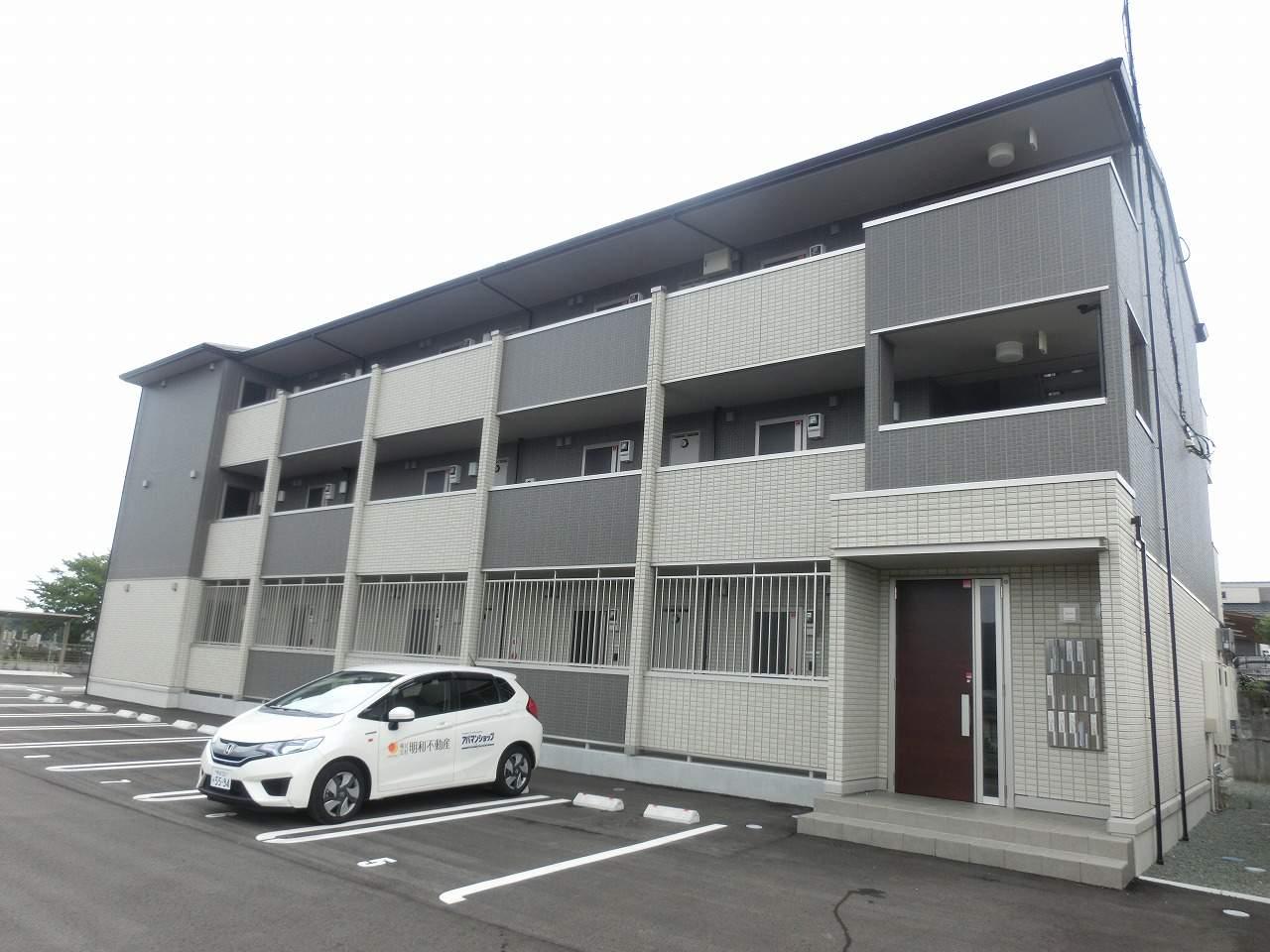 熊本県山鹿市の築3年 3階建の賃貸アパート