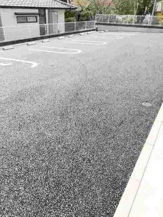 ネオ レジデンス八王寺[1K/32.23m2]の駐車場
