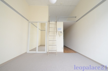 レオパレス永康[1K/20.28m2]のリビング・居間1