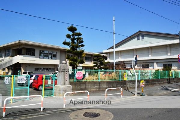 太田郷小学校 949m