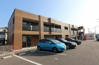 大分県由布市、向之原駅徒歩19分の築1年 2階建の賃貸アパート