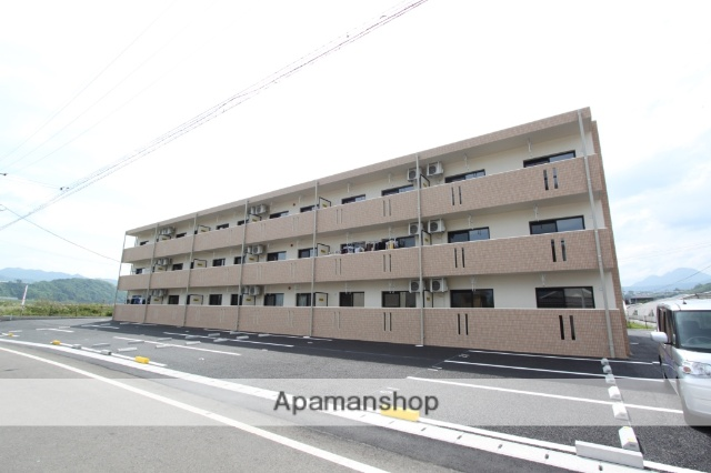 大分県由布市、向之原駅徒歩24分の新築 3階建の賃貸マンション