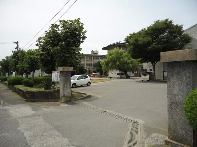 柳ヶ浦小学校 1550m