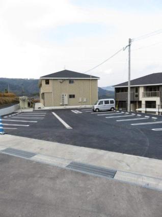レナ ハウス[2LDK/56.68m2]の駐車場