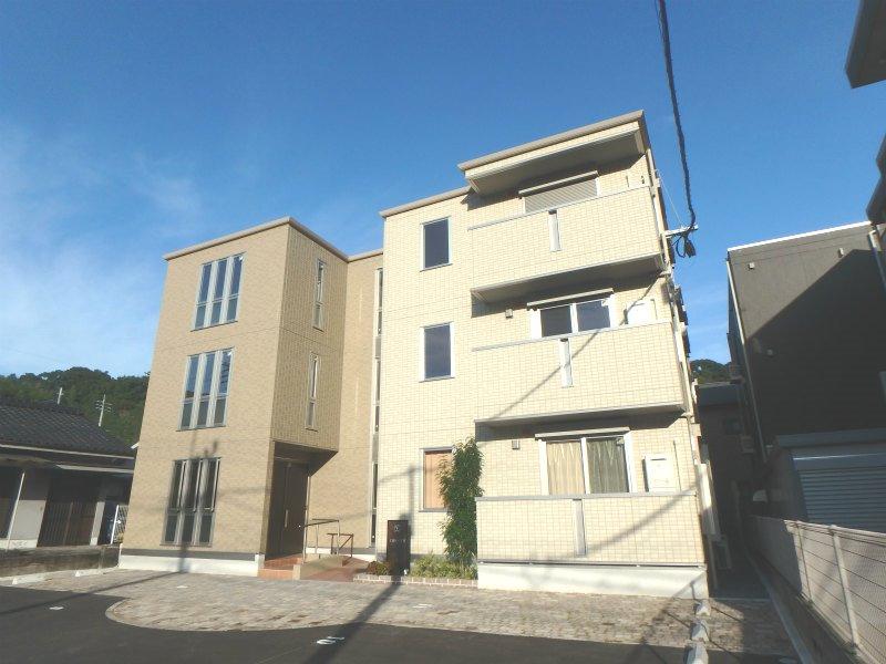 鹿児島県鹿児島市の新築 3階建の賃貸アパート