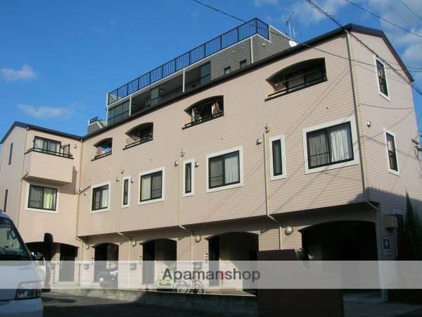 鹿児島県鹿児島市、二中通駅徒歩8分の築12年 3階建の賃貸アパート