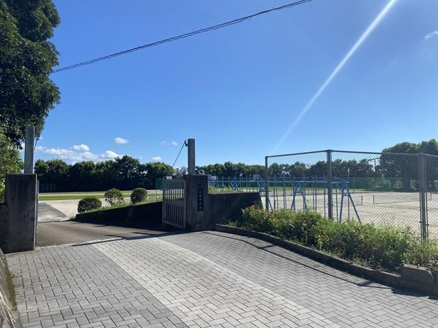 吉野中学校 1414m