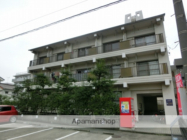 鹿児島県鹿児島市、荒田八幡駅徒歩10分の築34年 3階建の賃貸マンション