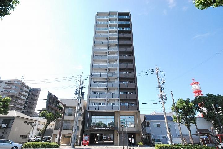 鹿児島県鹿児島市、新屋敷駅徒歩10分の築2年 14階建の賃貸マンション