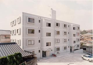 鹿児島県鹿児島市、鹿児島駅徒歩9分の築28年 4階建の賃貸マンション