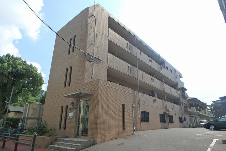 鹿児島県鹿児島市、鹿児島中央駅徒歩13分の築16年 4階建の賃貸マンション