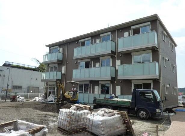 鹿児島県日置市、伊集院駅徒歩11分の築2年 3階建の賃貸アパート