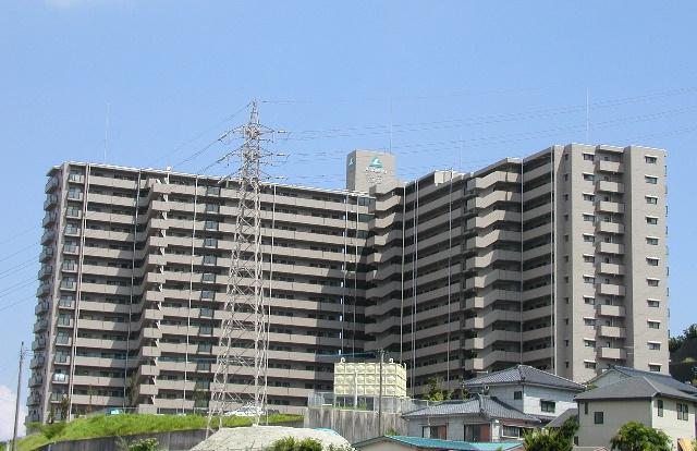 鹿児島県鹿児島市、市立病院前駅徒歩14分の築20年 15階建の賃貸マンション