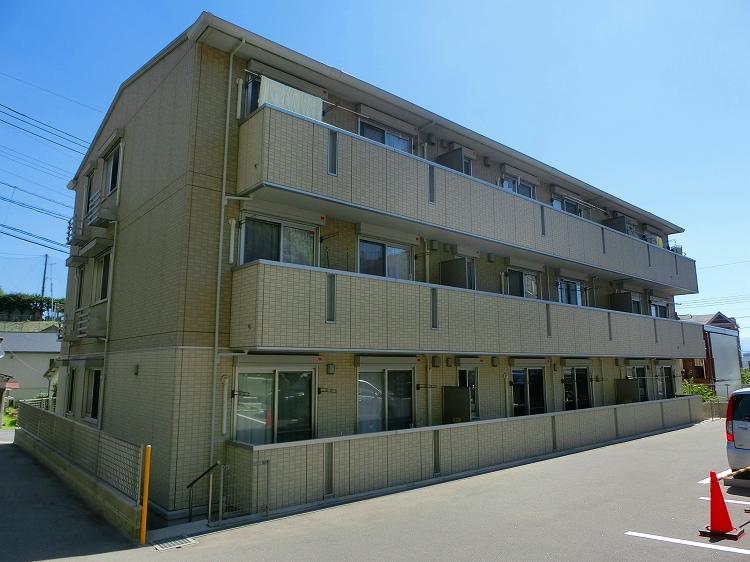 鹿児島県鹿児島市、南鹿児島駅徒歩3分の築4年 3階建の賃貸アパート