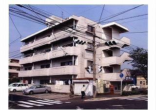 鹿児島県鹿児島市、郡元駅徒歩24分の築30年 4階建の賃貸マンション