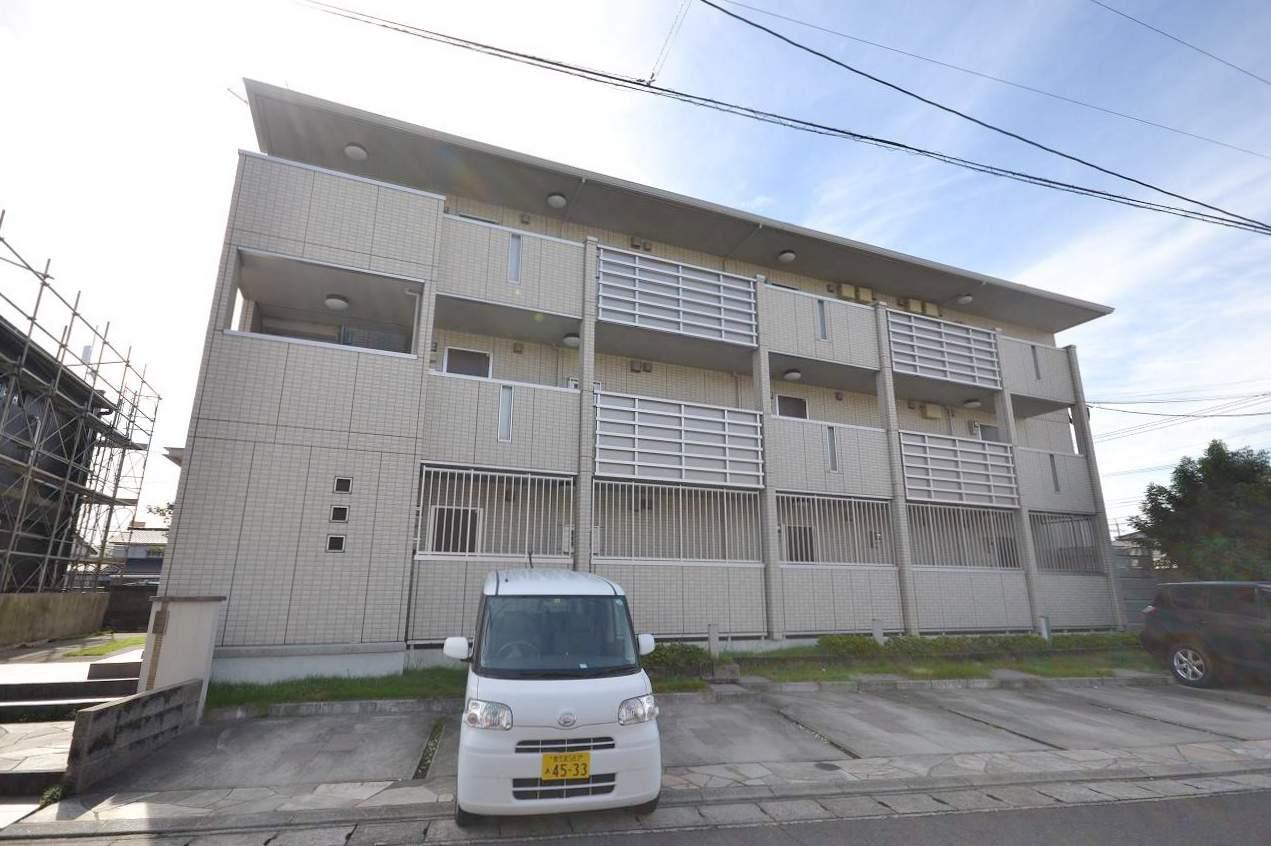 鹿児島県鹿児島市、谷山駅徒歩14分の築6年 3階建の賃貸アパート