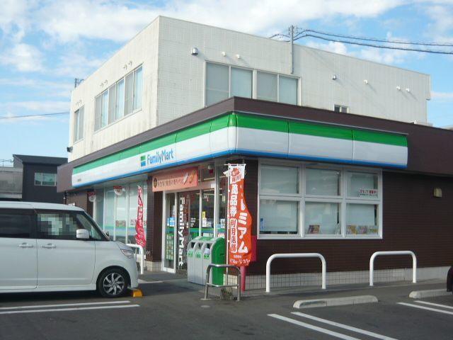 ファミリーマート川内原田町店 450m