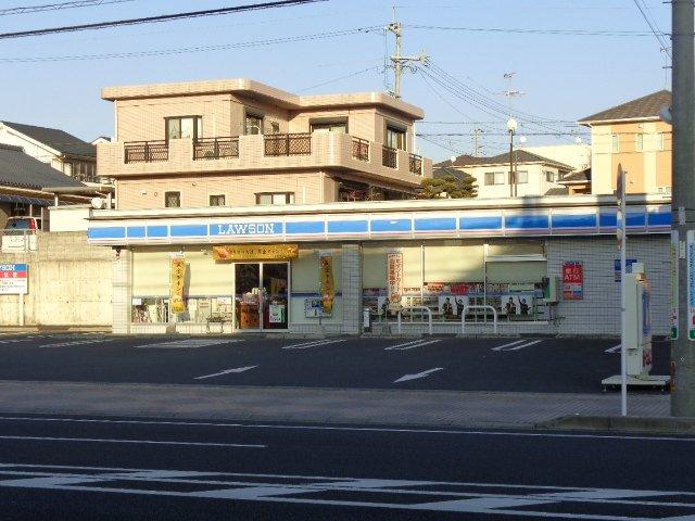 ローソン吉野花棚店 419m