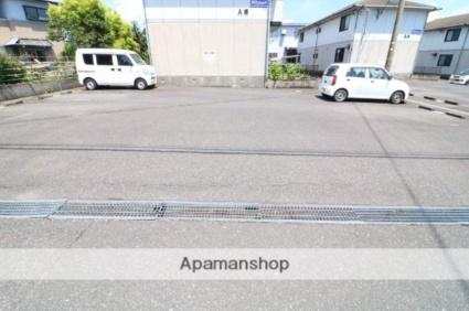 ビューテラス旭原A[2DK/54m2]の駐車場