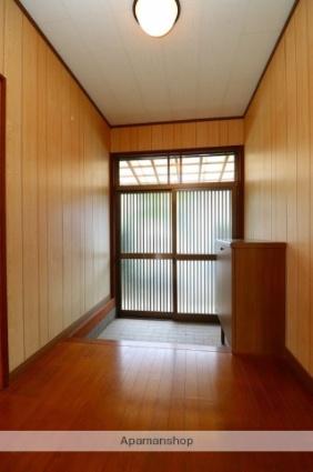 川西町福留貸家[4DK/67.68m2]の玄関