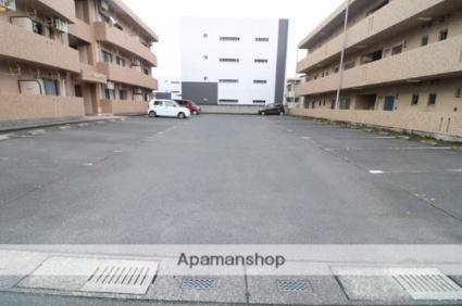 Merci-K[2DK/51.3m2]の駐車場