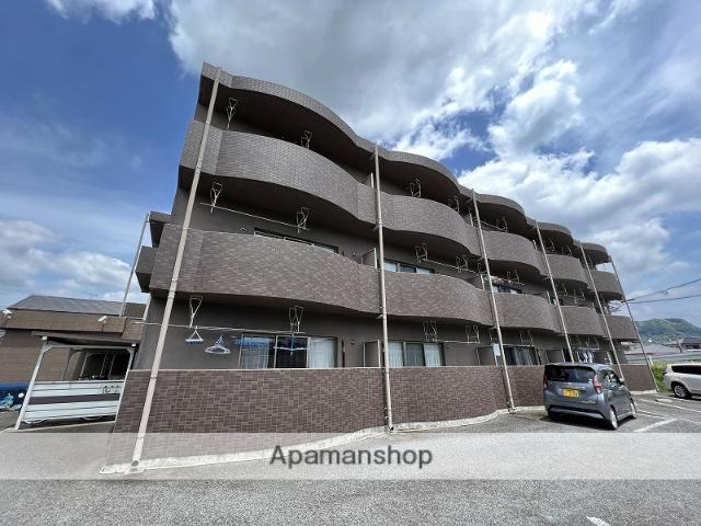 鹿児島県霧島市、国分駅徒歩25分の築11年 3階建の賃貸マンション