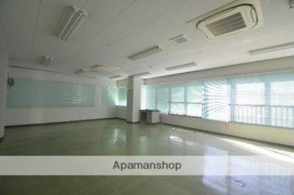 尾崎ビル[事務所/165.88m2]の内装1