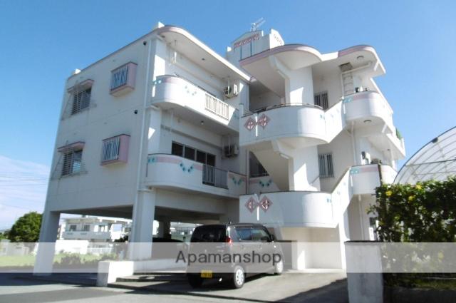 沖縄県中頭郡中城村の築15年 3階建の賃貸マンション