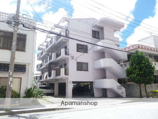 沖縄県中頭郡北谷町の築19年 4階建の賃貸マンション