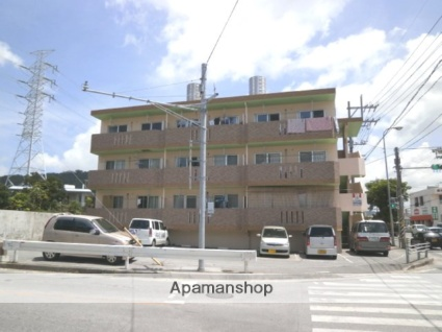 沖縄県中頭郡中城村の築14年 3階建の賃貸マンション