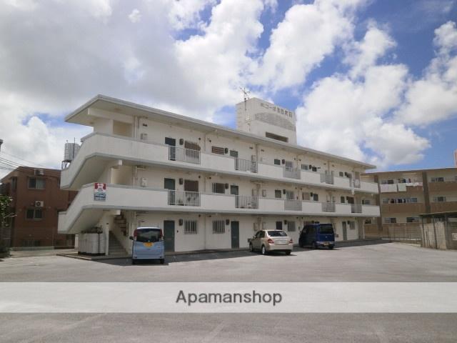 沖縄県宜野湾市の築20年 3階建の賃貸アパート