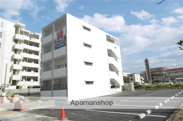沖縄県中頭郡北谷町の新築 4階建の賃貸アパート