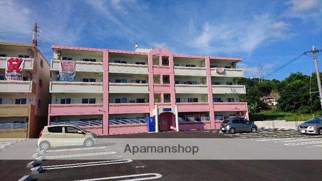 沖縄県うるま市の新築 4階建の賃貸マンション