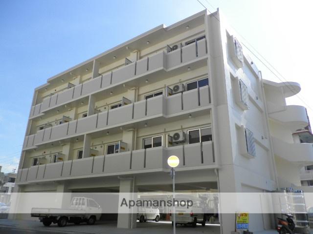 沖縄県浦添市の築5年 4階建の賃貸マンション