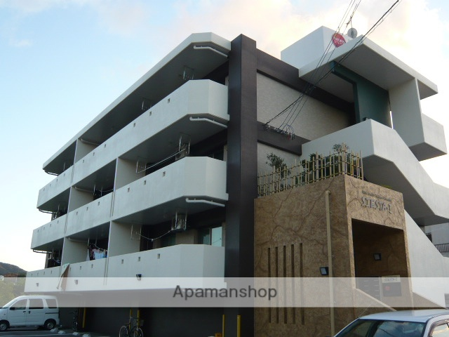 沖縄県名護市の築8年 3階建の賃貸マンション