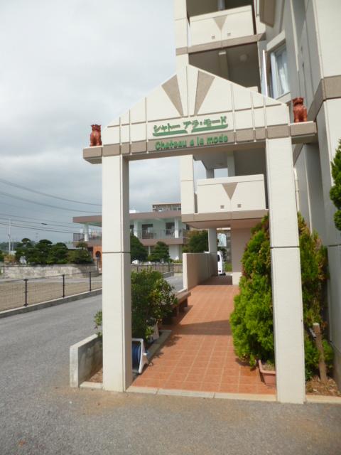 沖縄県島尻郡八重瀬町の築5年 4階建の賃貸マンション